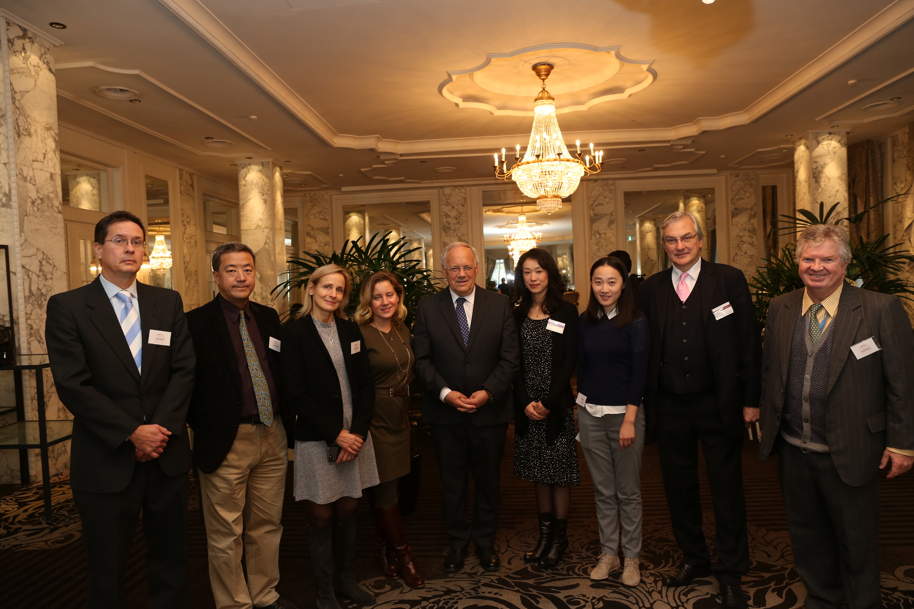 President of the Swiss Confederation Johann Schneider-Ammann with members of the APES Committee during the annual press conference and luncheon at the Schweizerhof in Bern on 27 October.